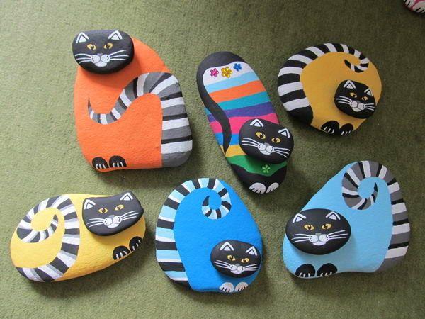 Ihr Homepagetitel... Painted cat rock heads glued to painted rock bodies!!...ADORABLE!