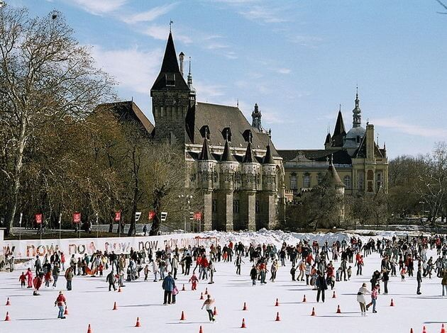 Top 10 Ice Skating Places In London For Winter : TripHobo Travel Blog