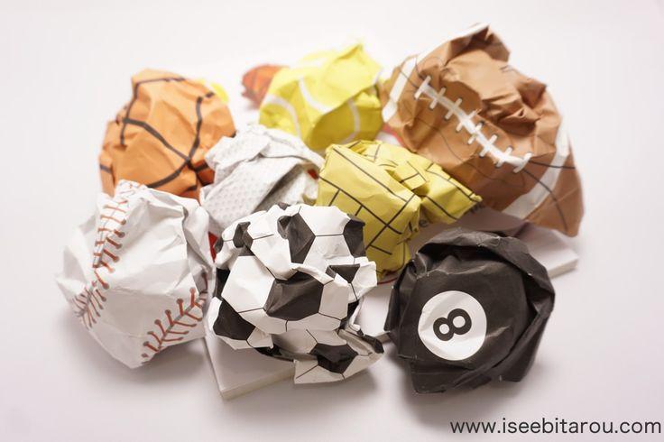 クシャクシャに丸めるとボールになるノート「PLAY MORE」がおもしろい。野球やサッカーボールになります。 - おもしろ雑貨コレクション