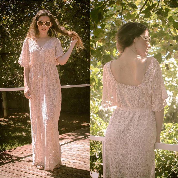 Pastel Romance 🎀 #lovefashiongr #fashionblogger #greekblogger #sessile #pastel #lace #lacekaftan