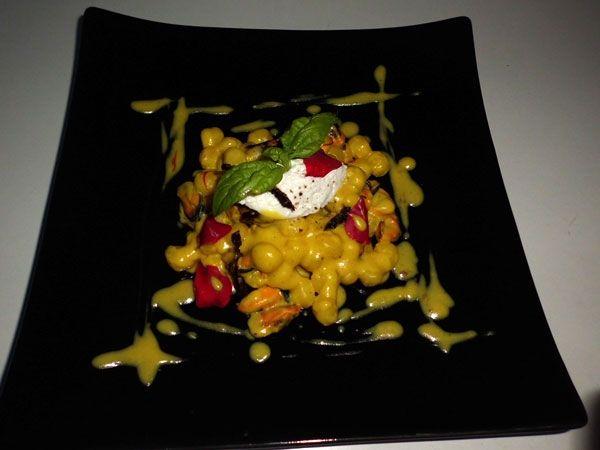 Le chicche di patate: cozze, zafferano, pomodorino secco e quenelle di ricotta di bufala , ricetta inserita da Michele Mazzola