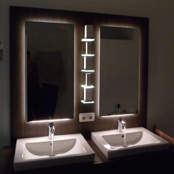 BADKAMERMEUBEL #ROTTERDAM Dit #meubel laat goed zien wat er allemaal mogelijk is met #LED-verlichting. Op deze manier maak je van de #badkamer echt iets bijzonders. Een andere bijzonderheid, welke nu niet meer op valt, is dat de wastafels al aanwezig waren. Het #badkamermeubel is dus later toegevoegd. #Ontwerp: #Robbrecht #Vormgeving Materiaal: Watervast gemelamineerd plaatmateriaal Afmetingen: 1400 x 500 x 650 (lxdxh) #meubelmaker #maatwerk #verlichting #LEDverlichting