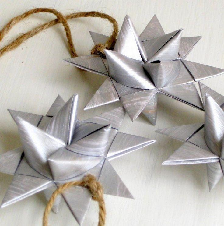 silberne Fröbelsterne Anhänger für den Weihnachtsbaum