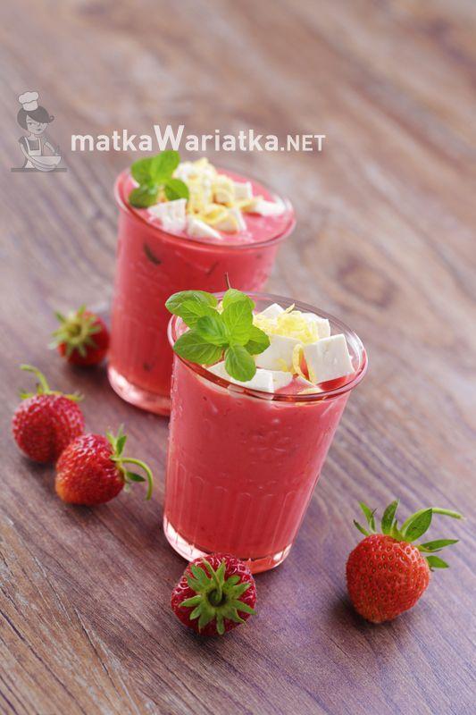 strawberry cooler ;)  http://www.matkawariatka.net/2014/06/chlodnik-truskawkowy/