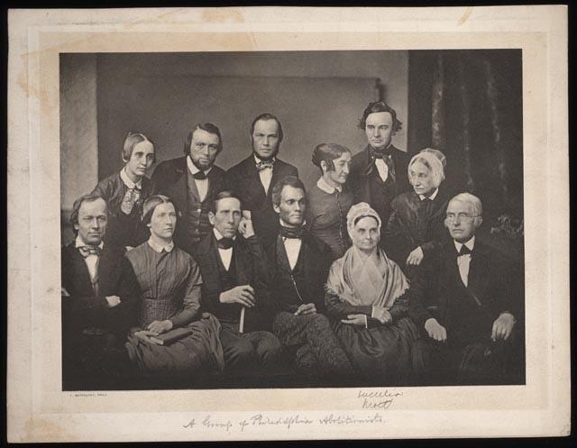 Abolitionisten aus Philadelphia  – »Prudence und Arthur Dixon waren seit vielen Jahren engagierte Abolitionisten. Ihre Ablehnung der Sklaverei, die durchaus eine radikale Tendenz hatte, war in ganz Philadelphia wohlbekannt. In ihrer knapp bemessenen freien Zeit brachte Prudence in einer ortsnahen Quäkerschule freien Schwarzen das Lesen bei.«