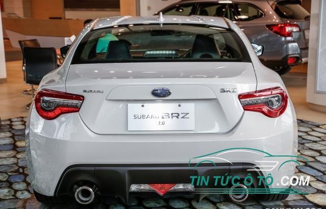 Subaru BRZ 2017 được cải tiến nhẹ ở thiết kế sao cho sắc sảo và hầm hố hơn
