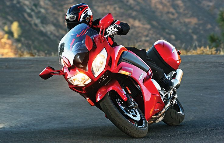2014 Yamaha FJR1300ES. Click to read our review in the February 2014 issue of Rider magazine.