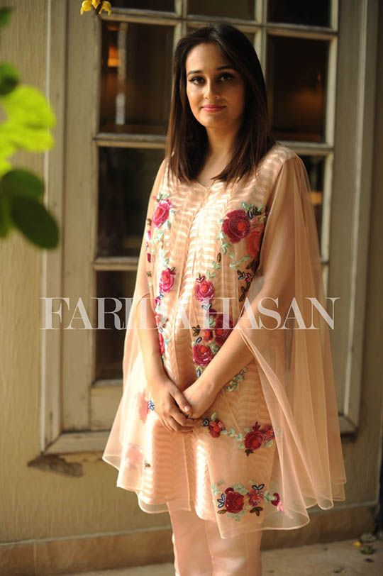 Farida Hasan will be bringing her festive formals and luxury evening wear collection to Ensemble Karachi this weekend on 2nd October. The designs include their latest Eid wear as well as wedding fo…
