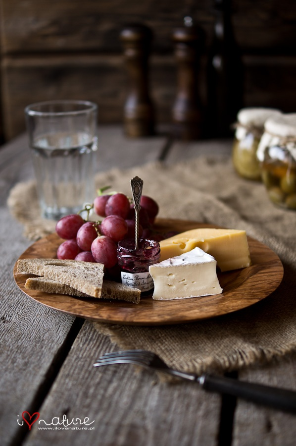 handcrafted ash wood plate presentation and repeat that 3 times just like Location , location, location . ciao