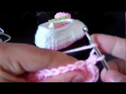 Tutorial-Crochet baby ballet booties (Part 1) - YouTube