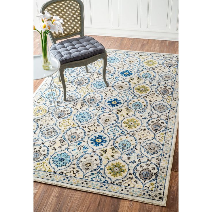 This Area Rug Is Crafted With Easy To Clean Yarns That Prevents Shedding