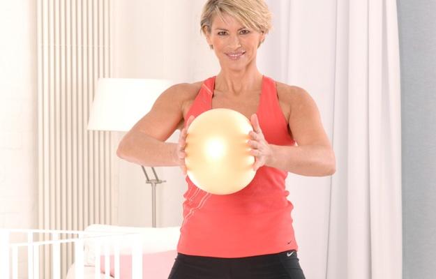 Gut aussehen und sich wohlfühlen mit dem Vibraball-Training von Flexisports mit Barbara Klein.