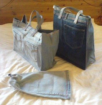 Previous Pinner: Each bag is a bit different as I try out new things and according to the properties of the jeans I have available. I only use jeans that have something wrong with them - holes or bad stains - and use the bits that still have lots of life in them. The linings of the shopping bags are made from old curtains. (This is the closest thing that I could find for instructions.~Beth)