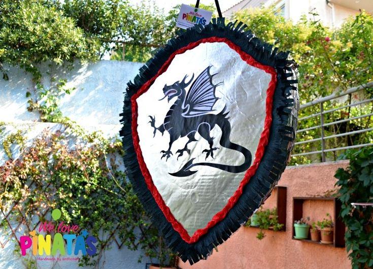 party knights and dragons, pinata, Πάρτυ-playdate με θέμα Ιππότες και Δράκοι - Anthomeli