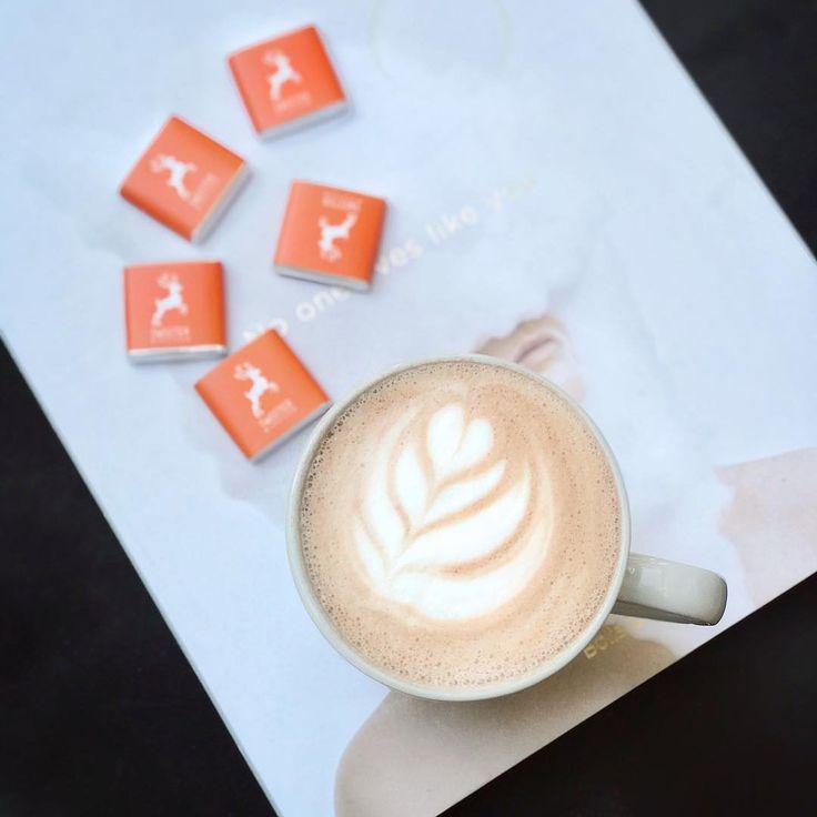Уютный вечер в компании вкуснейшего какао от наших волшебниц-бариста — лучшее, что может случится после насыщенного дня!🕊 #sweetercoffee #latteart #coffee #cacao