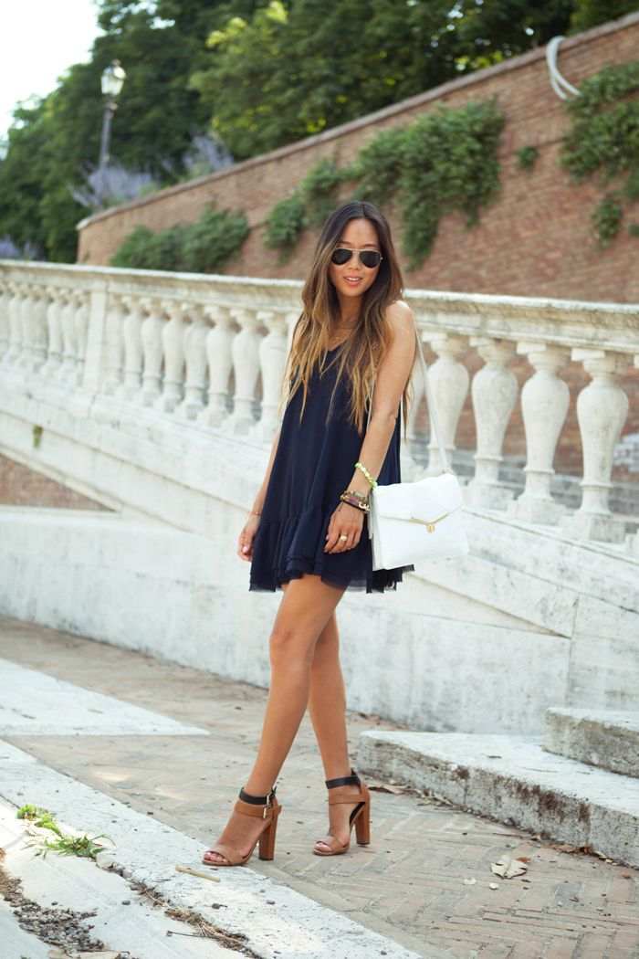 I want this to be me. All stylish and cool, and just roaming around Italy.: Babydoll Dresses, Summer Day, Flowy Dresses, Cute Dresses, Navy Dresses, Street Style, Outfit, Little Black Dresses, Louboutin Shoes