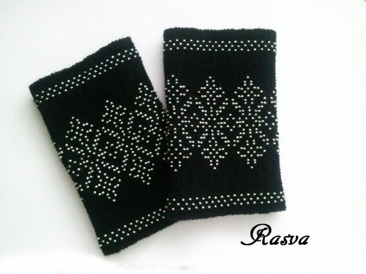 Lithuanian beaded wrist warmers /Riešinės