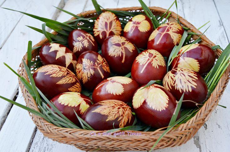 Retete culinare : Oua vopsite cu coji de ceapa, Reteta postata de timea in categoria Aperitive / Garnituri