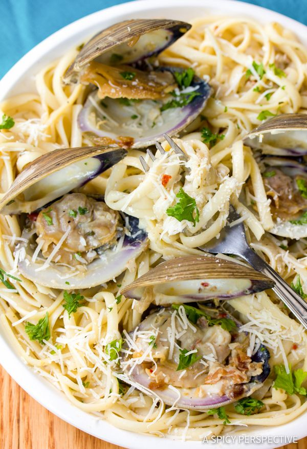 Easy Italian Clam Pasta Recipe, known as Pasta Alle Vongole, is a fabulous dinner option for any night of the week! Luxurious and cozy.
