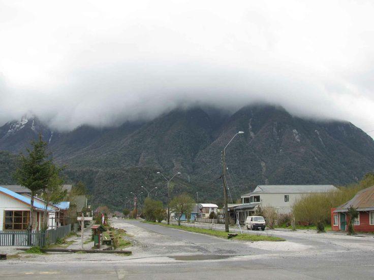 El cielo amenazante de Chaitén, pueblo destruído por el volcán Chaitén en 2008. // The threatening sky in Chaitén, town destroyed by the eruption of the Chaitén Volcano in 2008. (XI Región)