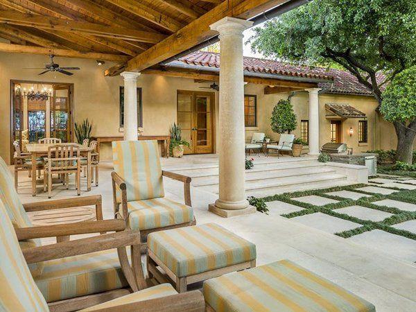 Gorgeous Santa Barbara style home in Texas -