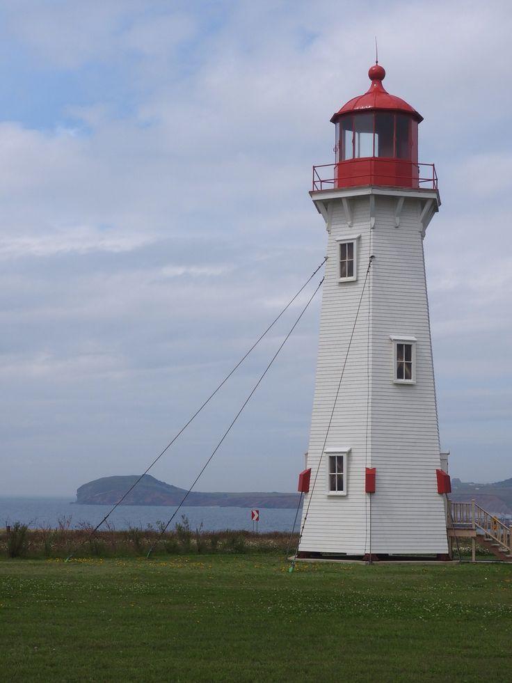 Le phare à l'Anse-à-la-Cabane, Iles-de-la-Madeleine