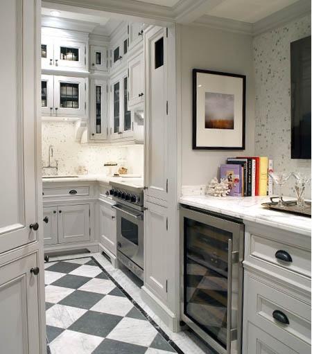 Fabulous Kitchen: Fabulous Small City Kitchen. 32' Viking Range, Grey