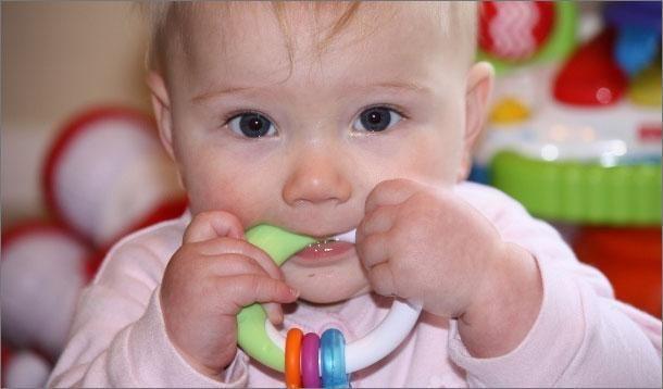 Baby Teething Symptoms :: YummyMummyClub.ca