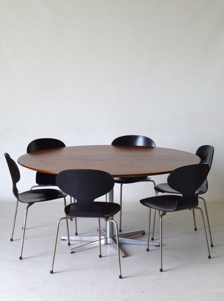 Arne Jacobsen - Rare 1960s six star footed table with set of early edition 'Ant' chairs. Available at Merzbau