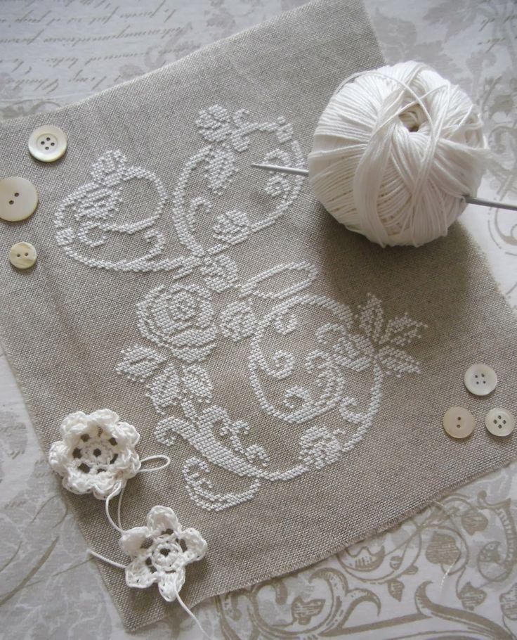 Lovely embroidery - white thread on ecru linen ♥: