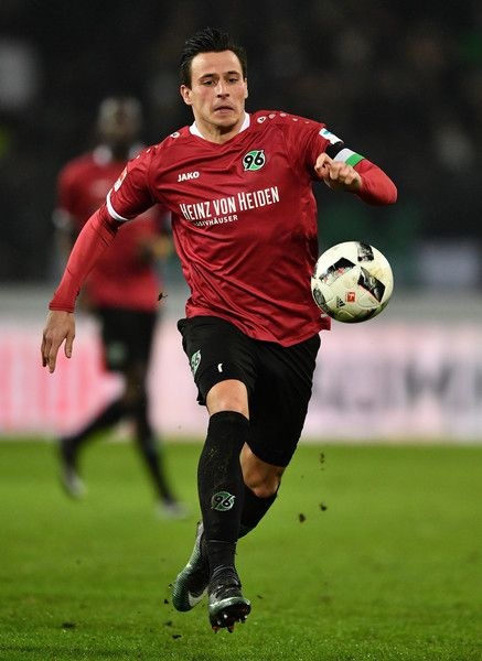 Edgar Prib Photos - Edgar Prib of Hannover iin action during the Second Bundesliga match between Hannover 96 and 1. FC Kaiserslautern at HDI-Arena on January 30, 2017 in Hanover, Germany. - Hannover 96 v 1. FC Kaiserslautern - Second Bundesliga