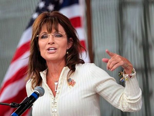 Sarah Palin urges Paint to dump tainted top official Comey
