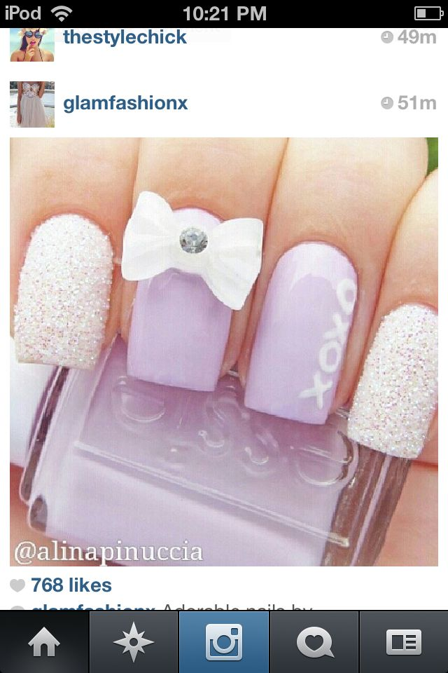 Purple nails with bow