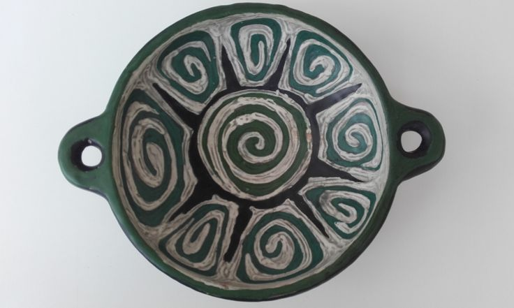 Green turtle bowl