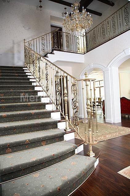 Лестничное ограждение из латуни - «Mercury Forge» #stairs #decor #home #grandeforge #royal #mercuryforge #лестницы #ограждения #роял #москва #дом #интерьер
