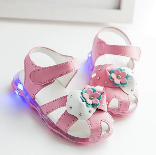 Summer 2016 Children Shoes Girls Sandals Sapato Infantil Anti Slip Sole Baby Leather Sandals Kids LED Night Light Shoes Retail alishoppbrasil