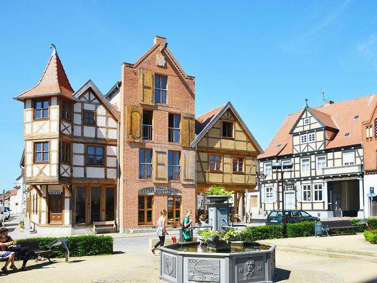 In der Hansestadt Tangermünde finden Urlauber schöne alte Fachwerkhäuser vor.