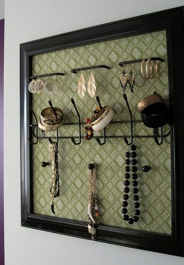 Make your own jewelry holder out of an old frame and for Make your own jewelry rack