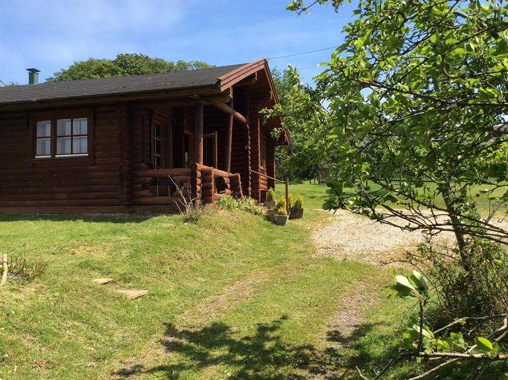 Holiday Cabin Nr. Lyme Regis, Dorset, England E16221