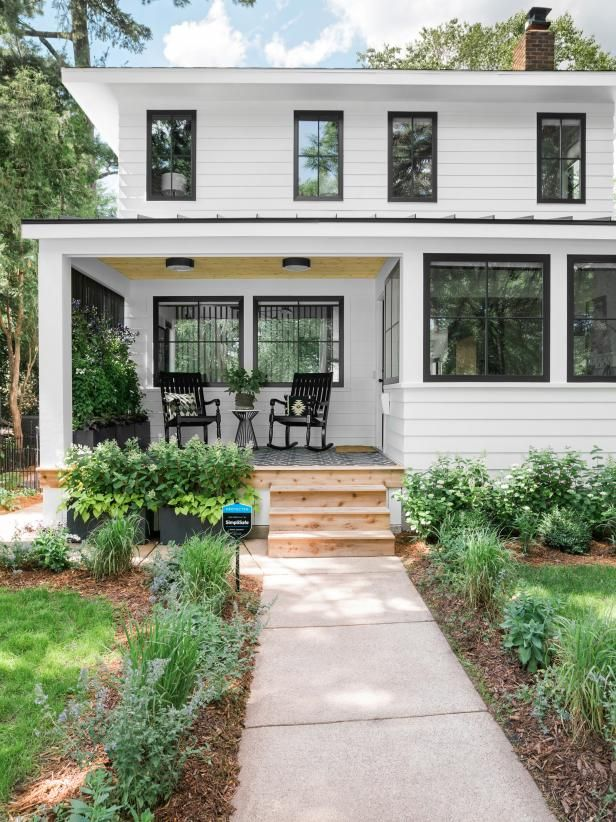 35 Modern Front Yard Landscaping Ideas With Urban Style: Front Yard Pictures From HGTV Urban Oasis 2019