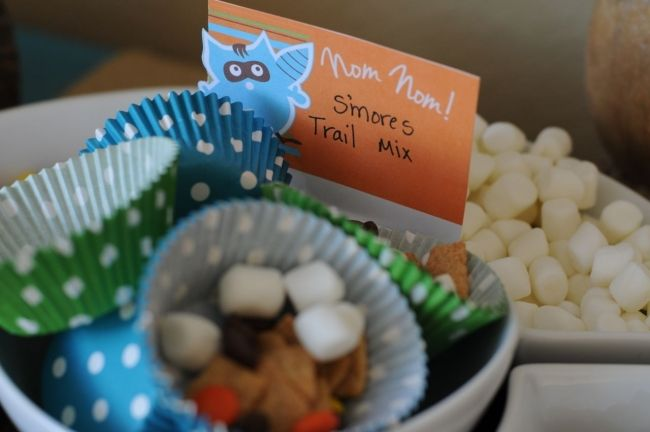 S'mores Trail Mix: chocolate chips, Cinnamon Toast crunch cereal, marshmallows, and reeses pieces - See more at: http://spaceshipsandlaserbeams.com/blog/2012/09/boy-bash-on-a-budget-challenge/boy-bash-woodland-owl-and-raccoon-dessert-table#sthash.C9QEXjJA.dpuf