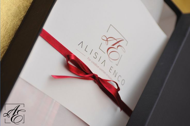 In search for the perfect gift for a special person anniversary? Delivered in a posh gift box, the #ALISIAENCO creative and wonderfully textured #shirts are the best choice. Shop here: http://www.alisiaenco.com/shirts