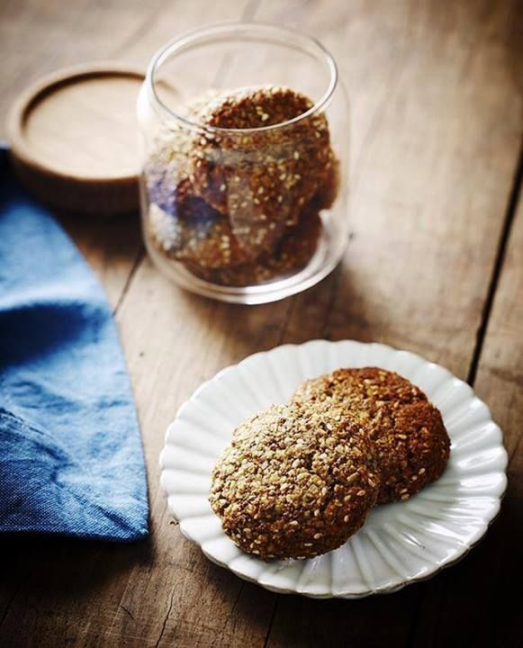 Natural Raw C's Chef Pete Evans - CHINDI COOKIES: Remeber it is a treat! Dont overdo it!