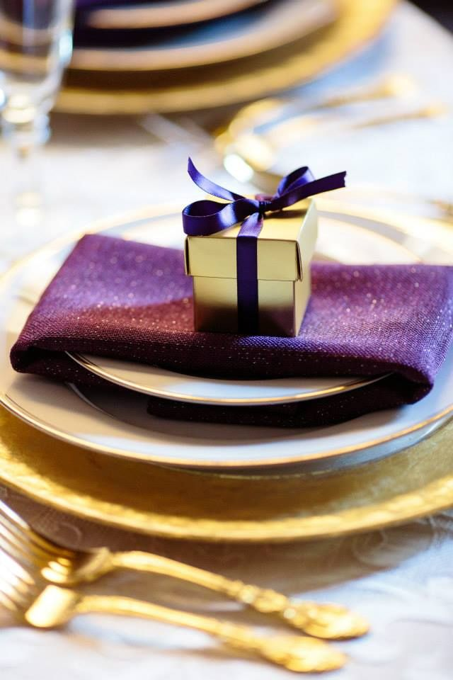 Purple and Gold Wedding, Wedding Favor Boxes , Plaza de Magdalena Wedding, Stop and Stare Events, www.stopandstareevents.com