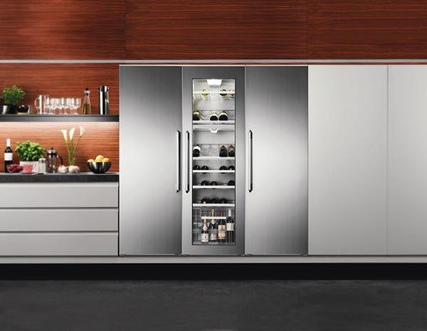 Quando dobbiamo effettuare una scelta per acquistare il nostro nuovo frigorifero, dobbiamo valutare differenti parametri. Ecco i nostri CONSIGLI ACQUISTO FRIGORIFERI #frigorifero http://www.arredamento.it/cucina/elettrodomestici/consigli-elettrodomestici/consigli-acquisto-frigoriferi.htm #electrolux