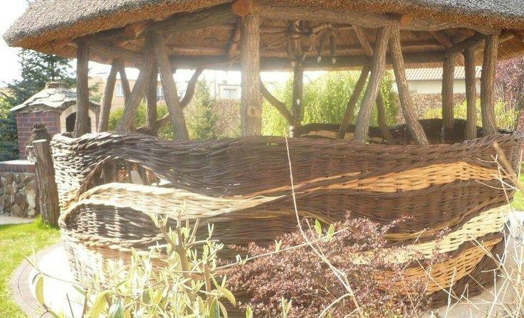 фото плетение колодца из ивы друг