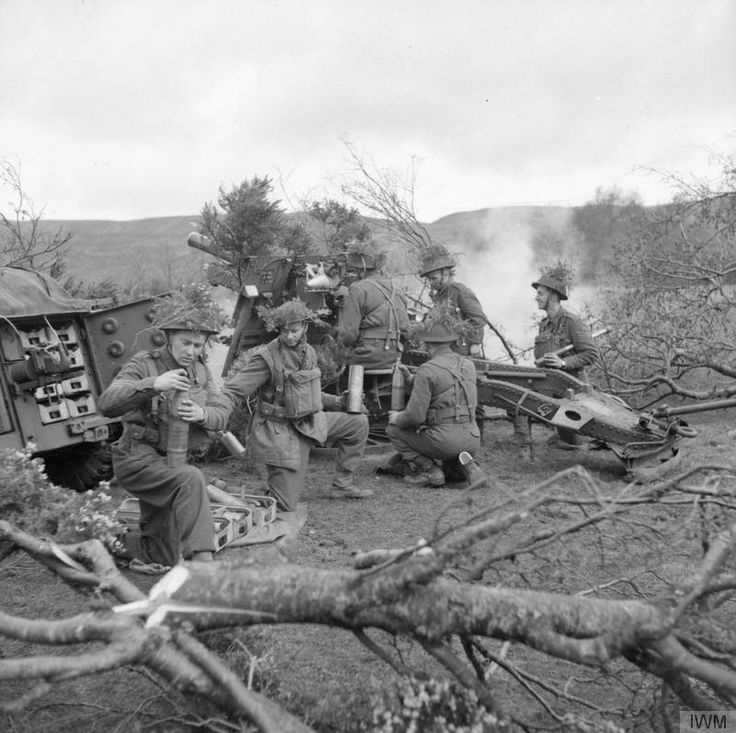A 25-pdr field gun of 150th Field Regiment, Royal Artillery, 148th Independent Infantry Brigade Group, firing during Exercise 'Dragoon' in the Sperrin Mountains near Draperstown in Northern Ireland, 1st April 1942.