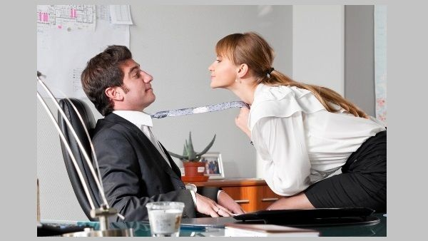 People You Should Never Date in the Workplace