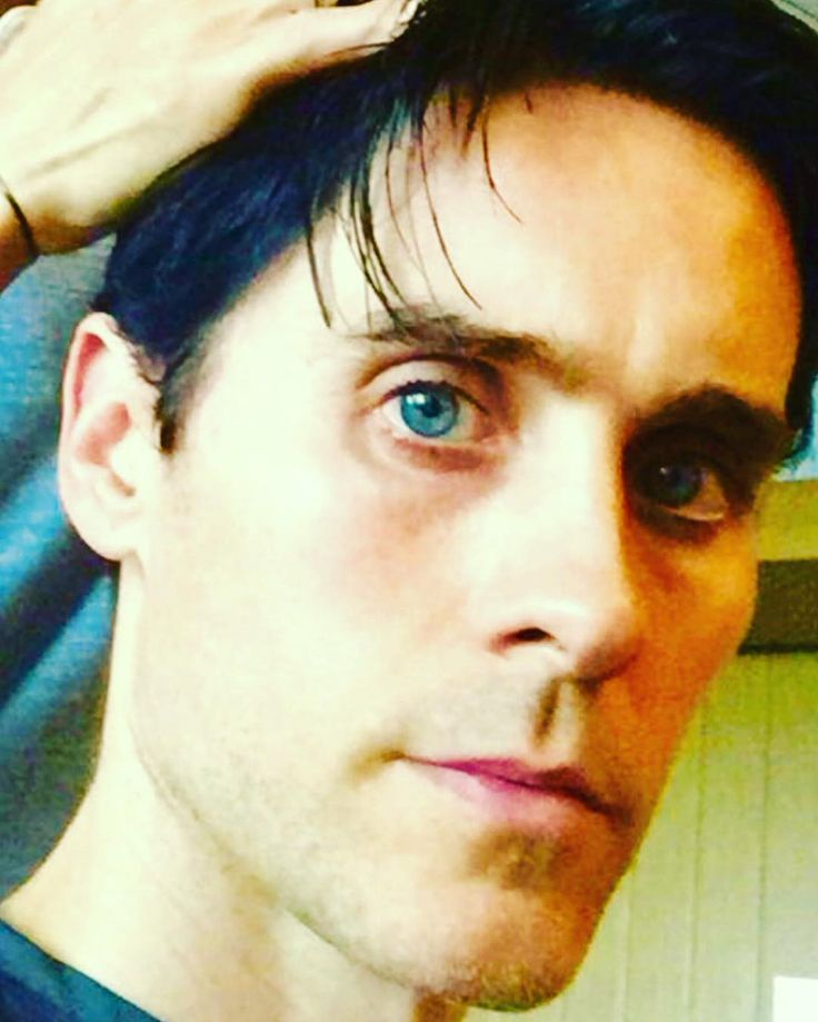 """Ingesloten afbeelding: Jared on IG ---> Haircut """"The Outsider"""" Tokyo."""
