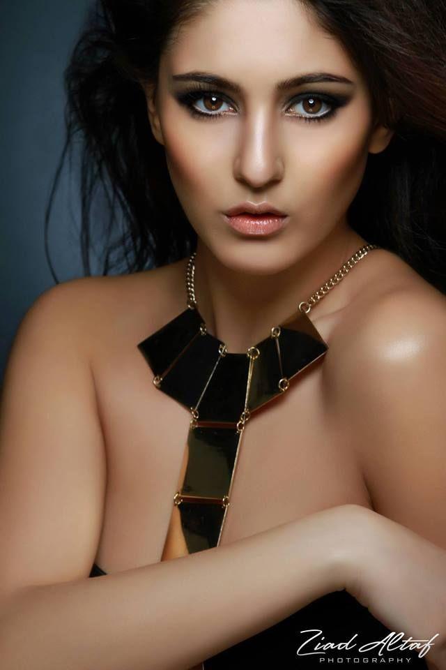 Gorgeous bronzey gold tones #makeup #FarhanaHennaMUA www.farhana.co.uk